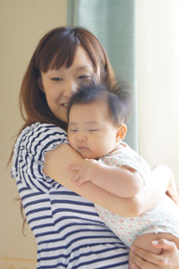 ベビーとママの絆写真